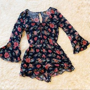 American eagle blue floral romper medium